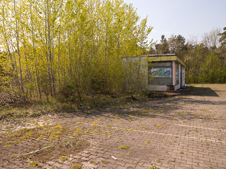 http://www.thomasebruster.com/files/gimgs/12_abandonedpetrolstation-4.jpg