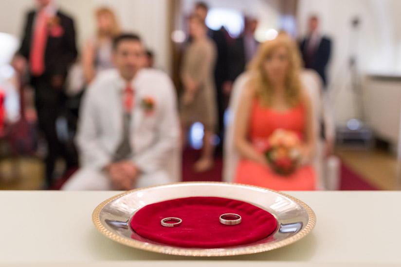 http://www.thomasebruster.com/files/gimgs/41_wedding-1.jpg