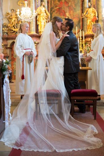 http://www.thomasebruster.com/files/gimgs/41_wedding-10.jpg