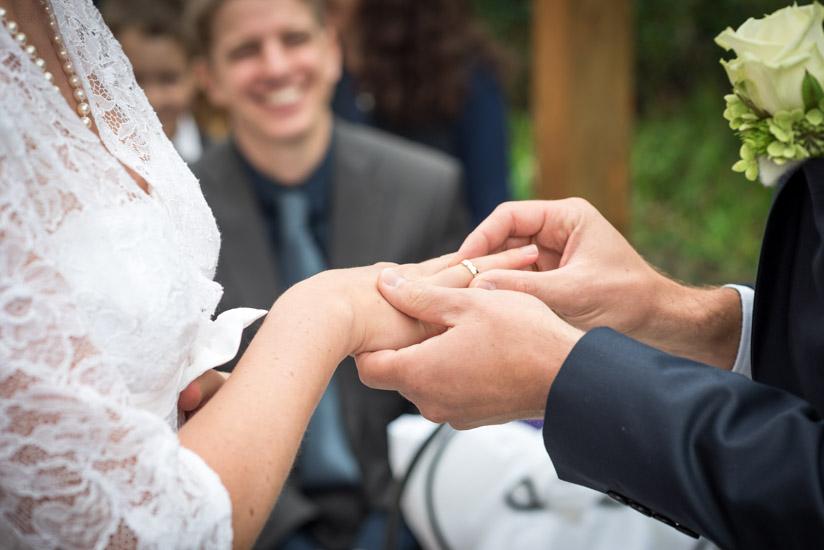 http://www.thomasebruster.com/files/gimgs/41_wedding-16.jpg