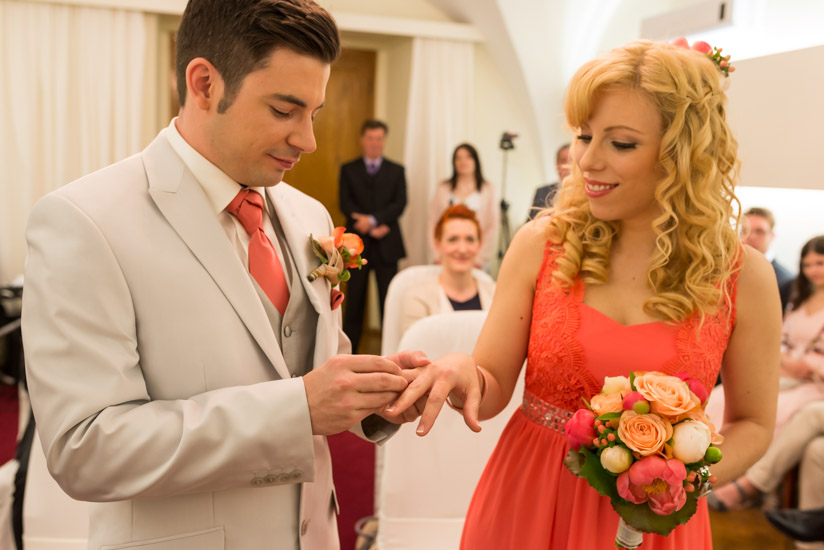 http://www.thomasebruster.com/files/gimgs/41_wedding-2.jpg
