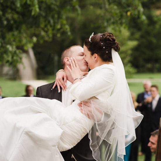 http://www.thomasebruster.com/files/gimgs/41_wedding-23.jpg