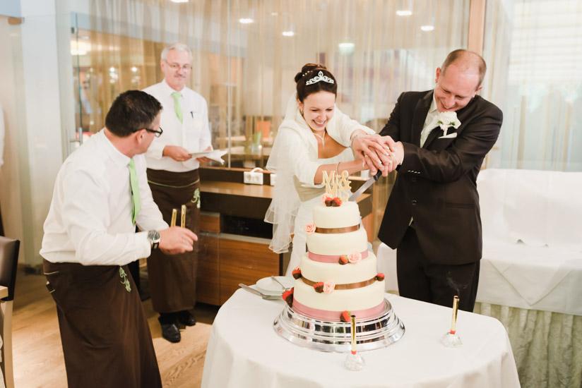 http://www.thomasebruster.com/files/gimgs/41_wedding-24.jpg