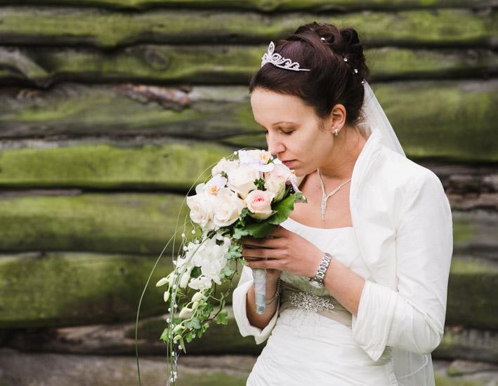 http://www.thomasebruster.com/files/gimgs/41_wedding-28.jpg