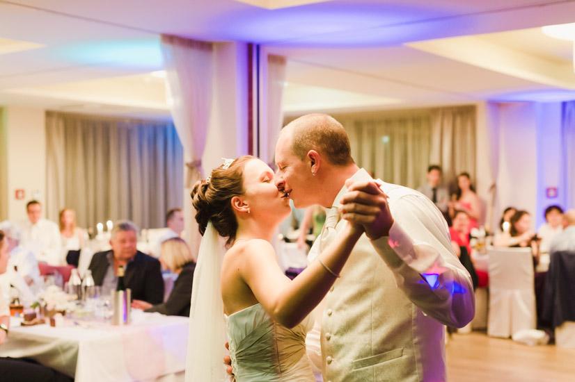http://www.thomasebruster.com/files/gimgs/41_wedding-32.jpg