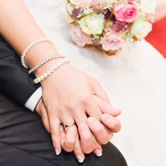 http://www.thomasebruster.com/files/gimgs/41_wedding-49.jpg