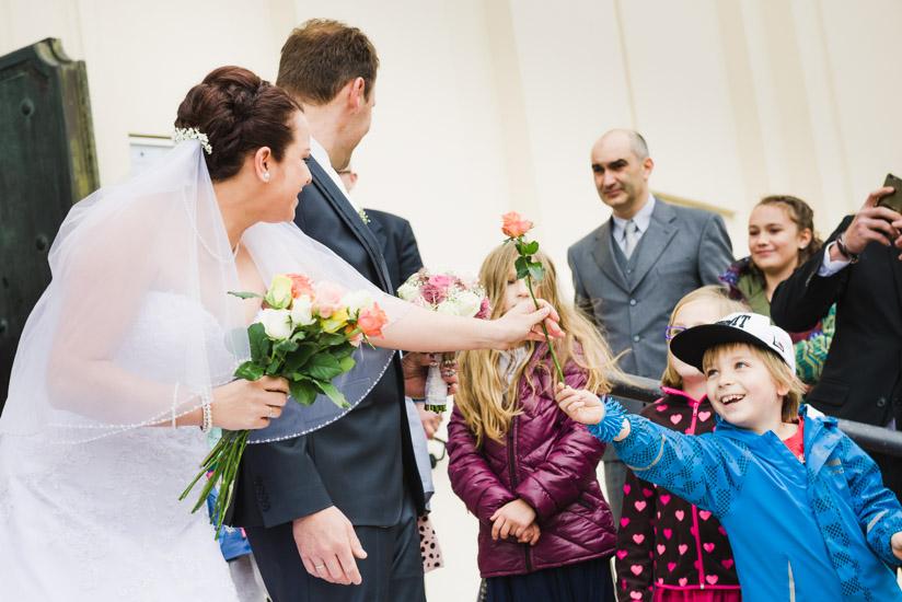 http://www.thomasebruster.com/files/gimgs/41_wedding-54.jpg