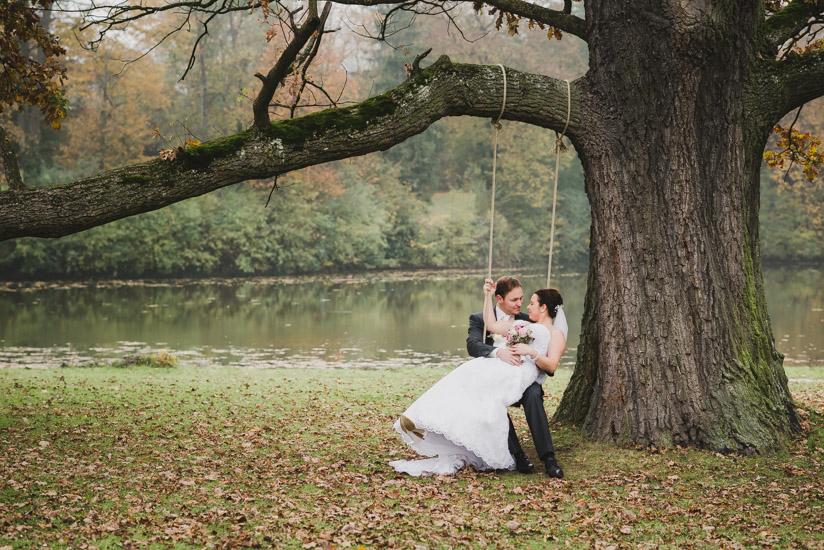 http://www.thomasebruster.com/files/gimgs/41_wedding-79.jpg