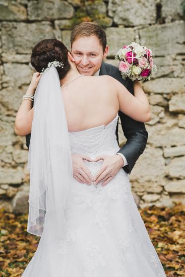 http://www.thomasebruster.com/files/gimgs/41_wedding-80.jpg