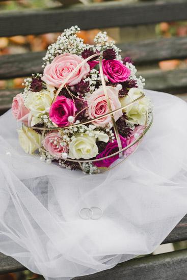 http://www.thomasebruster.com/files/gimgs/41_wedding-84.jpg