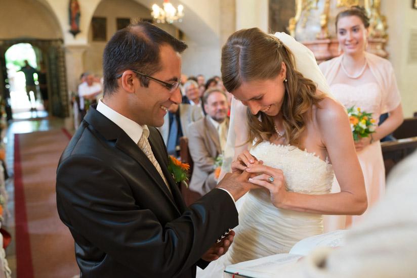 http://www.thomasebruster.com/files/gimgs/41_wedding-9.jpg